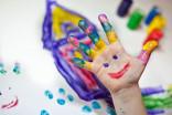 """Мы предлагаем вам пройти курс """"Воспитание креативности в семье"""". Все знания, которые вы почерпнёте из этого курса - практичны и применимы."""