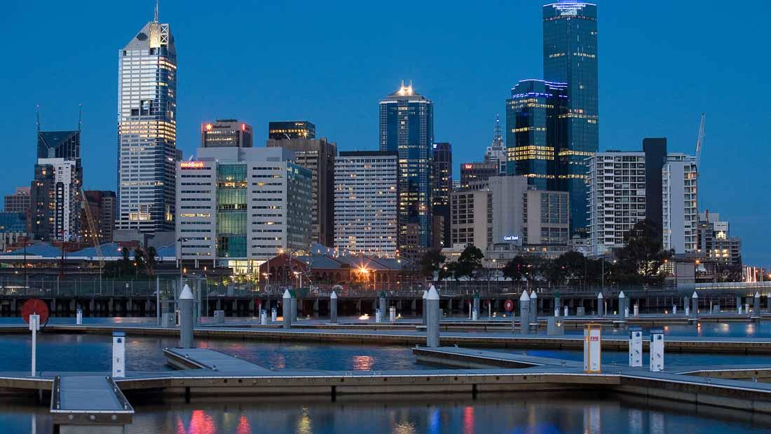 Университет Мельбурна ежегодно он предоставляет около 150 стипендий для иностранных студентов на обучение в магистратуре и аспирантуре в Австралии.