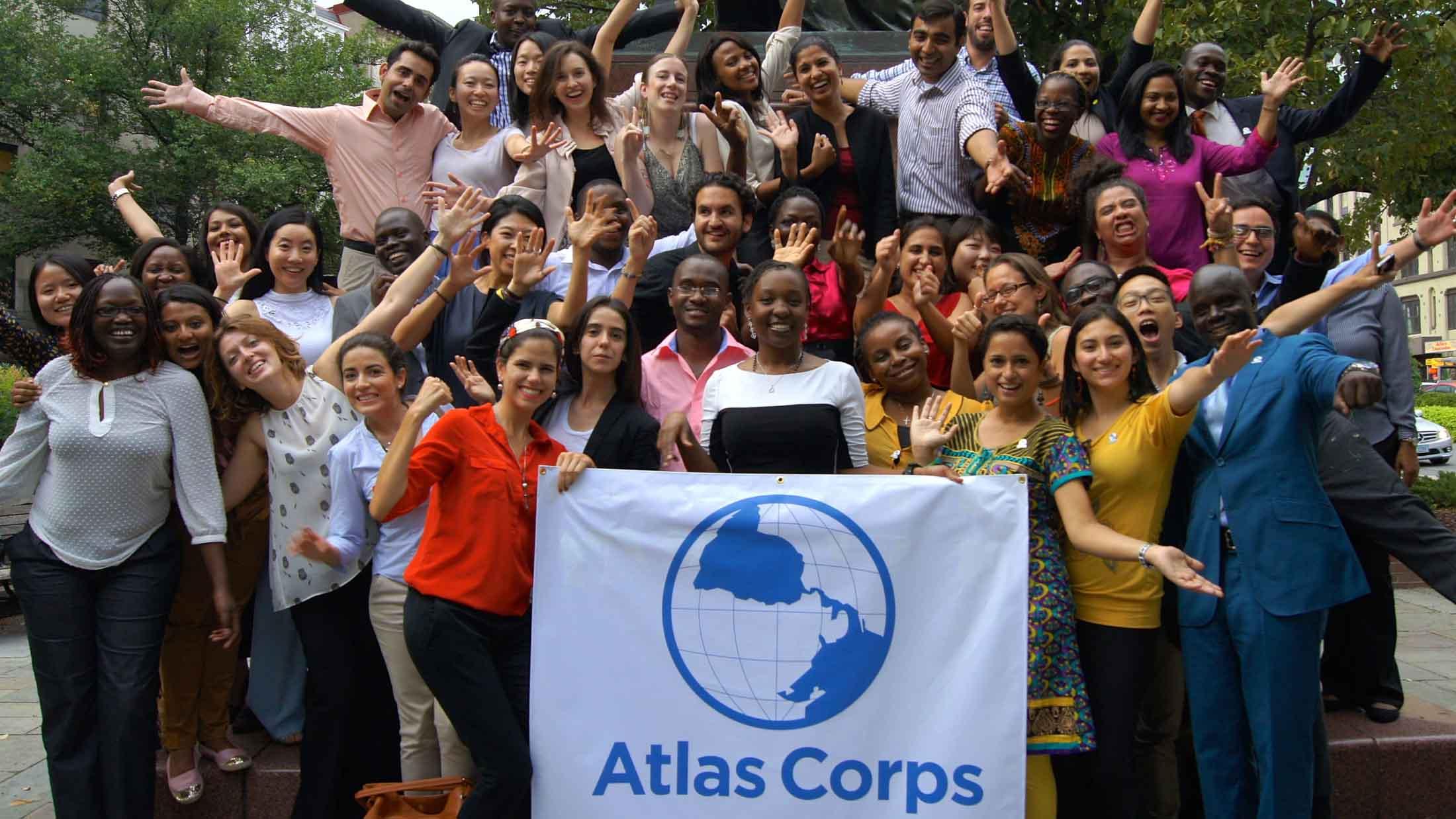 Участники программы пройдут стажировку в неправительственных организациях, соответствующих их опыту работы. Набор на стажировку открыт для всех национальностей.